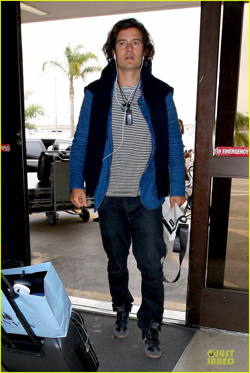 orlando bloom jets out for tony awards 033130485