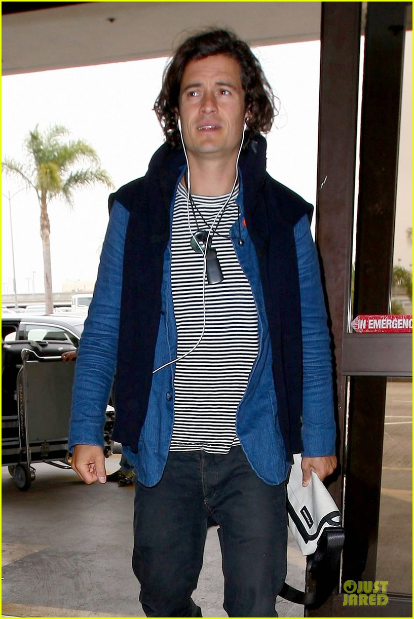 orlando bloom jets out for tony awards 063130488