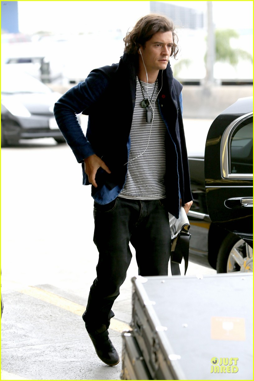 orlando bloom jets out for tony awards 093130491
