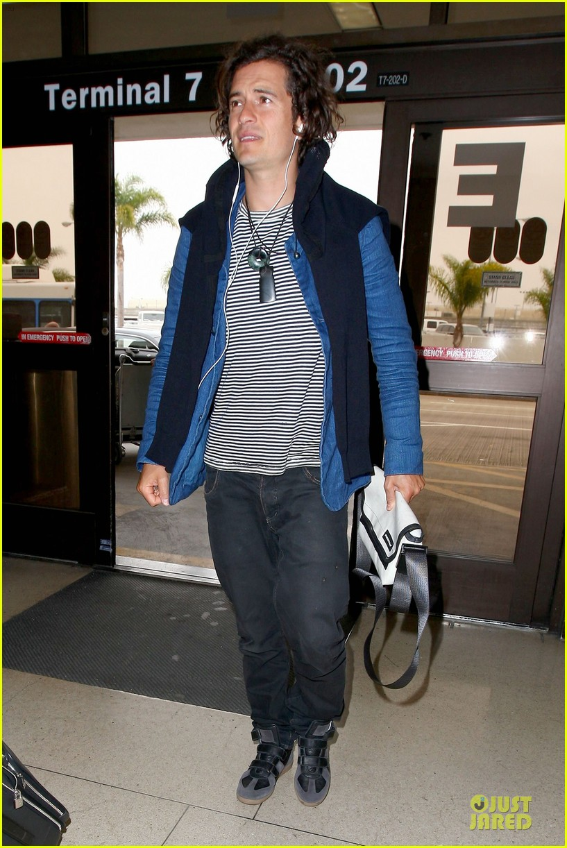 orlando bloom jets out for tony awards 103130492