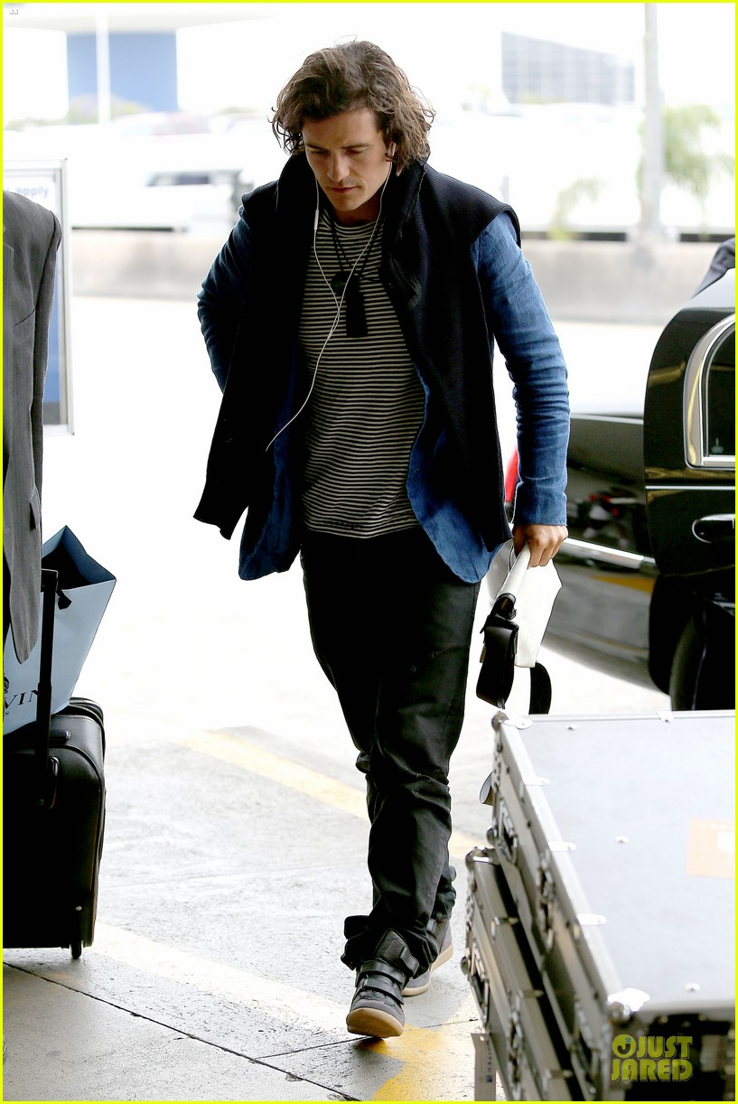 orlando bloom jets out for tony awards 113130493