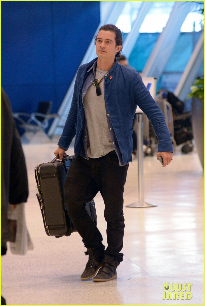 orlando bloom jets off after getting lap dance neil patrick harris 133131870