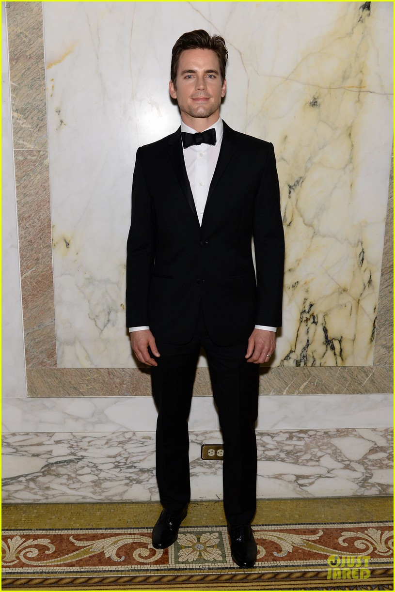 matt bomer zachary quinto meet at amfar inspiration gala 01