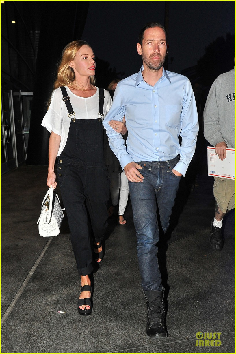kate bosworth michael polish celebrate kings win at boa steakhouse 013128555