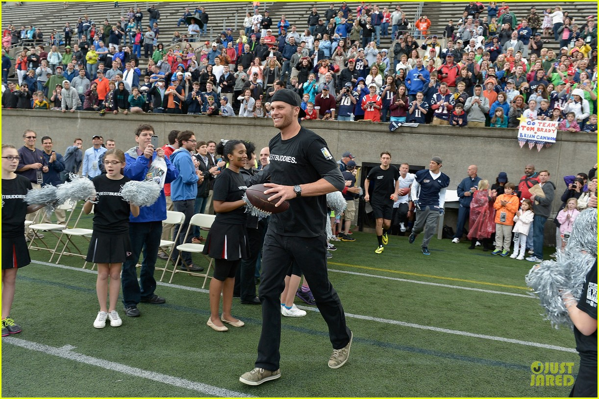 tom brady so proud to support best buddies 053125450
