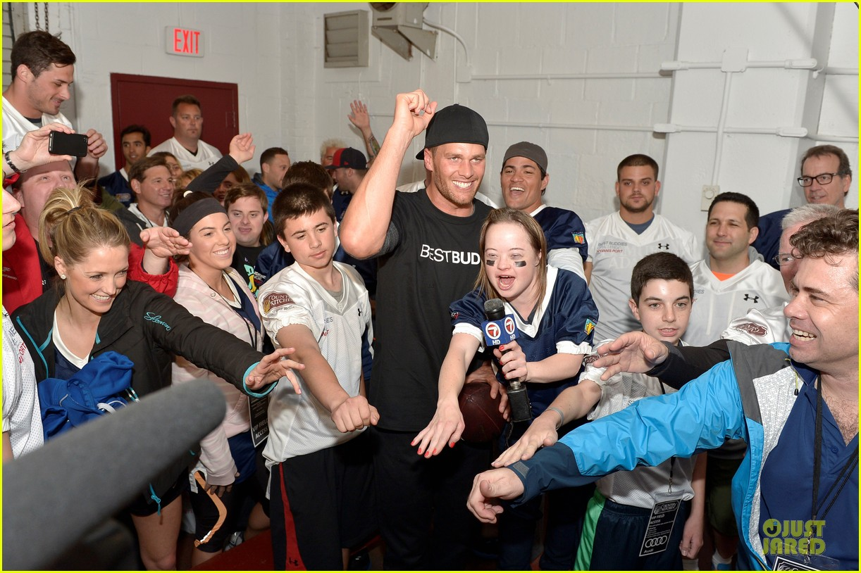 tom brady so proud to support best buddies 073125452