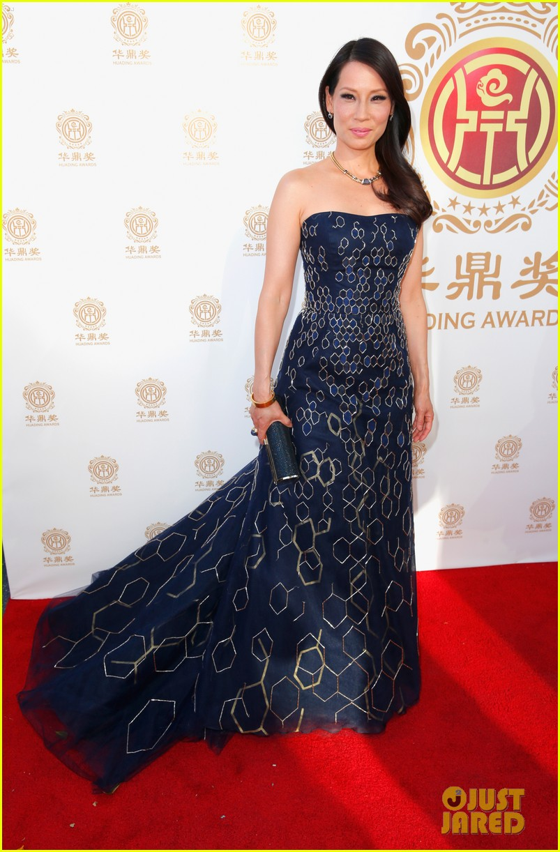 jordana brewster tyrese accept award at huading film awards 2014 02