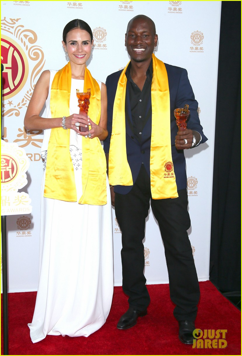 jordana brewster tyrese accept award at huading film awards 2014 033126214