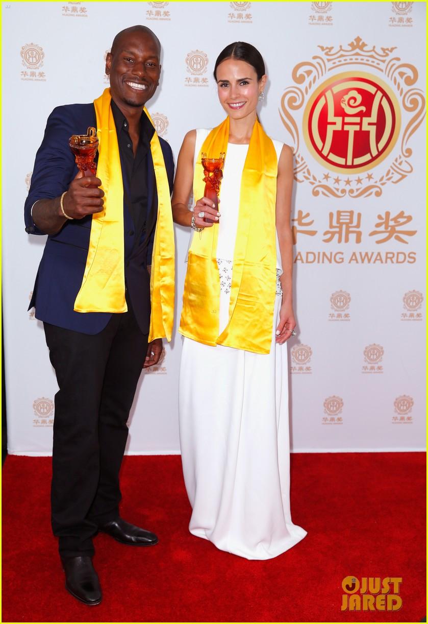 jordana brewster tyrese accept award at huading film awards 2014 153126226
