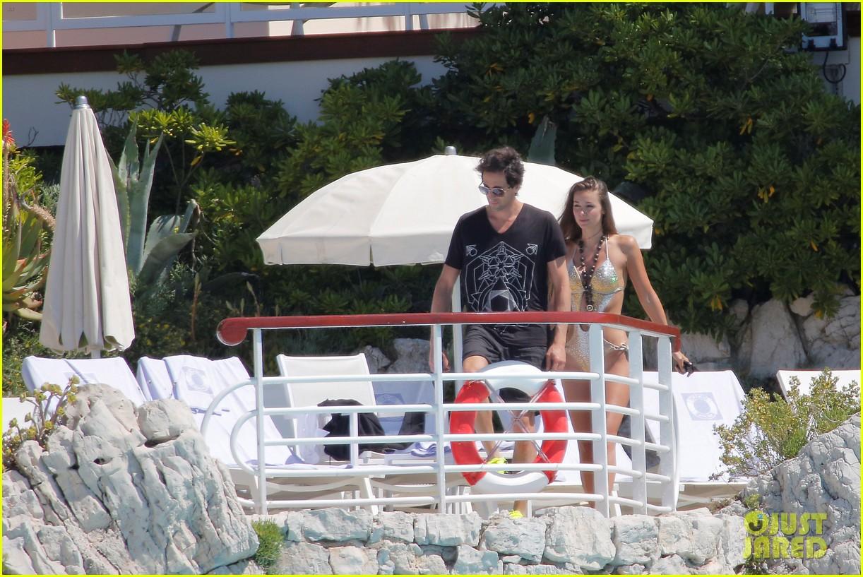 adrien brodys girlfriend lara lieto wears a super sexy swimsuit 043126186