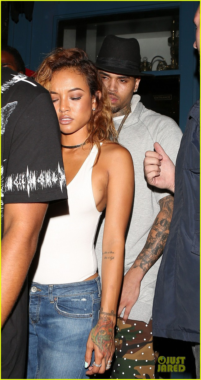 chris brown karrueche tran dance at hooray henrys 17