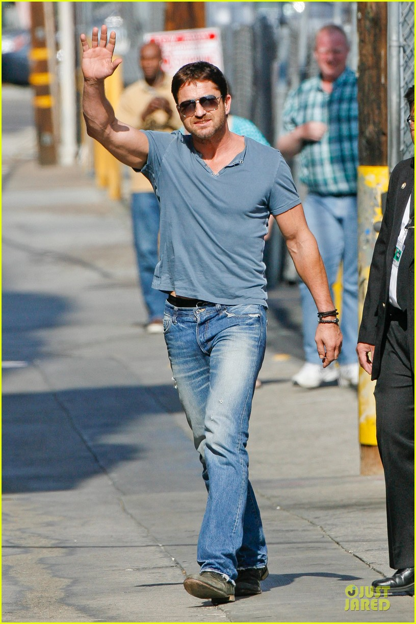 gerard butler will teach jimmy kimmel how to train dragon 013132685