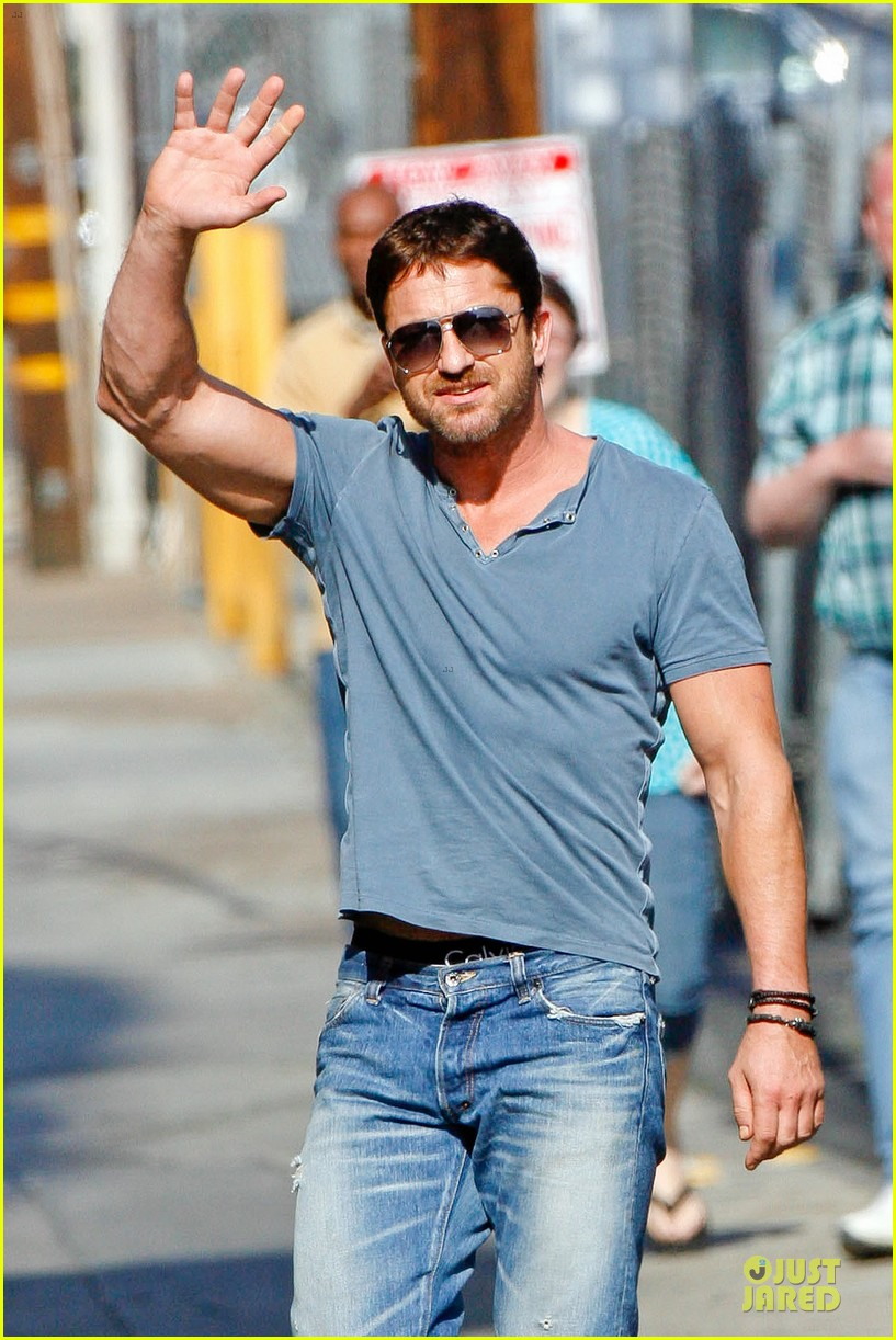 gerard butler will teach jimmy kimmel how to train dragon 023132686