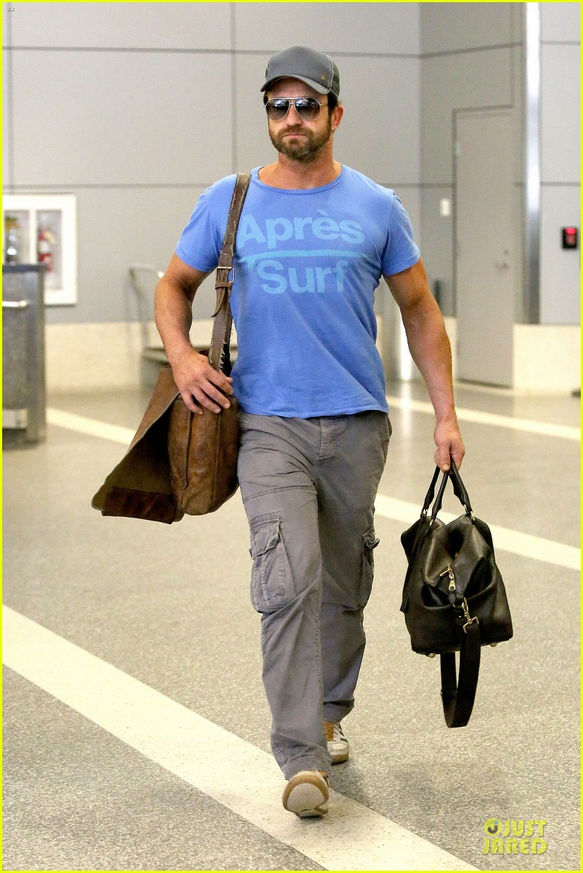 gerard butler has surfing on his mind 073128961