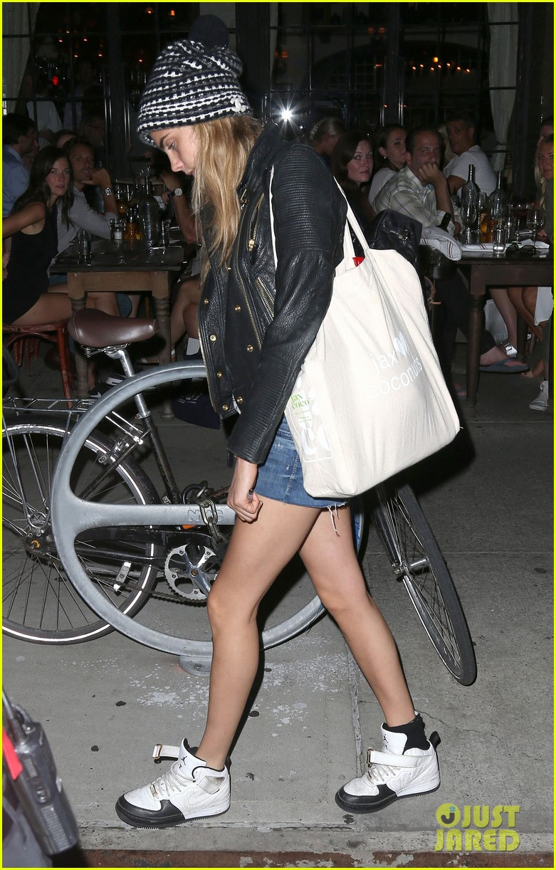 cara delevingne never turn back modeling 113138849