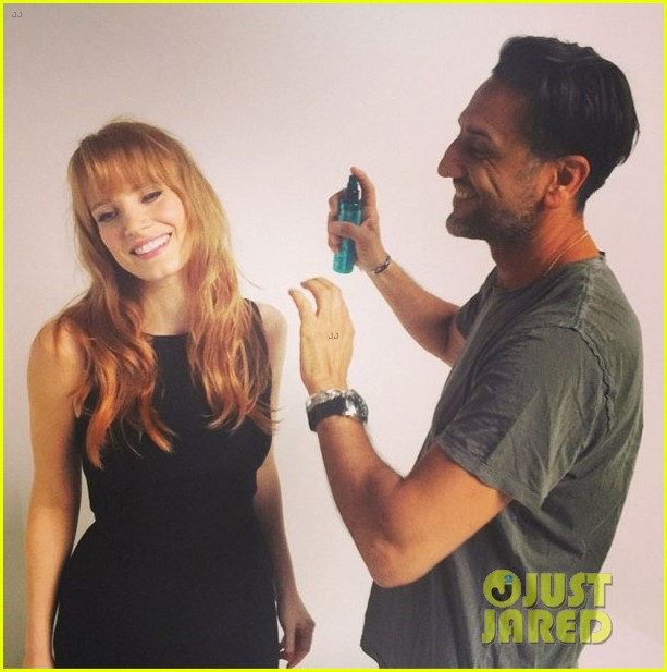 jessica chastain has bangs now new hairstyle 03