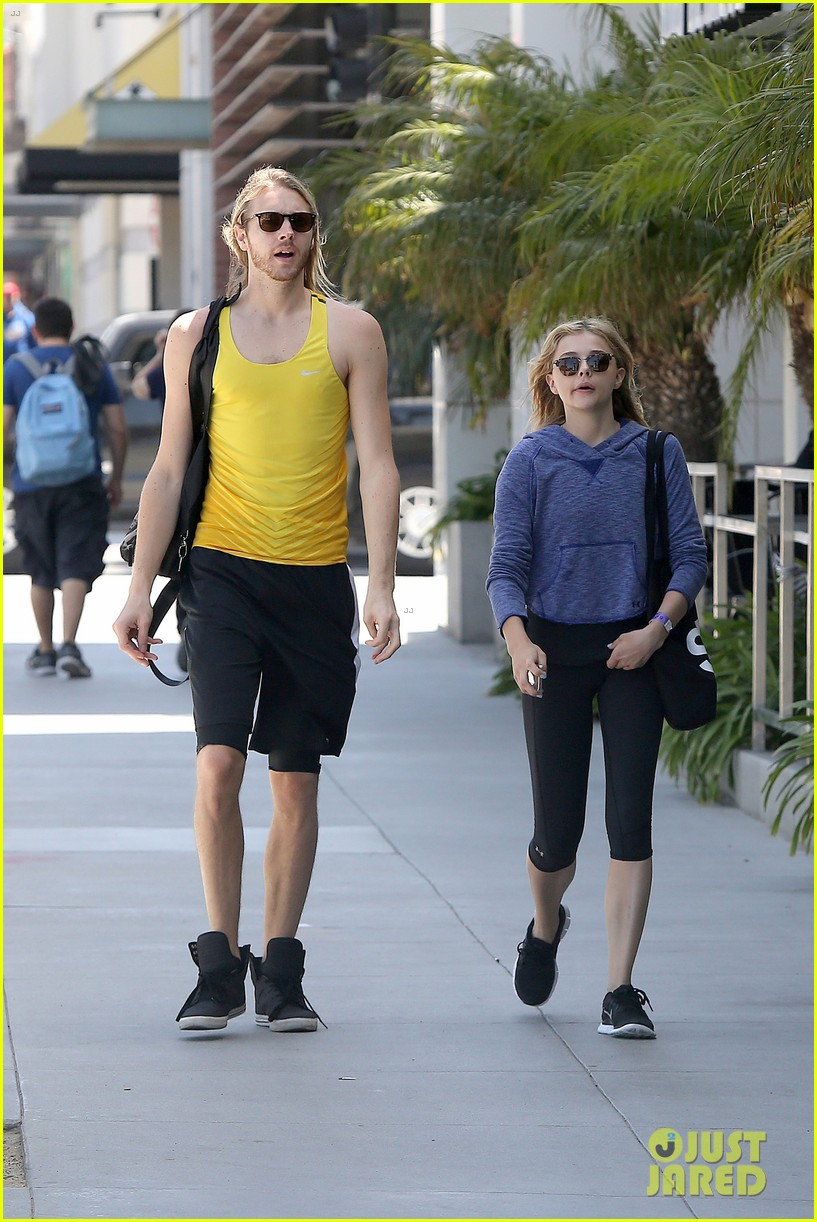 chloe moretz isnt in hollywood for parties red carpets 023125936