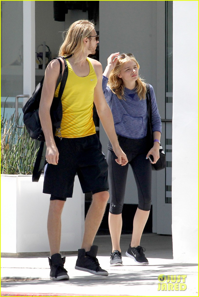 chloe moretz isnt in hollywood for parties red carpets 053125939