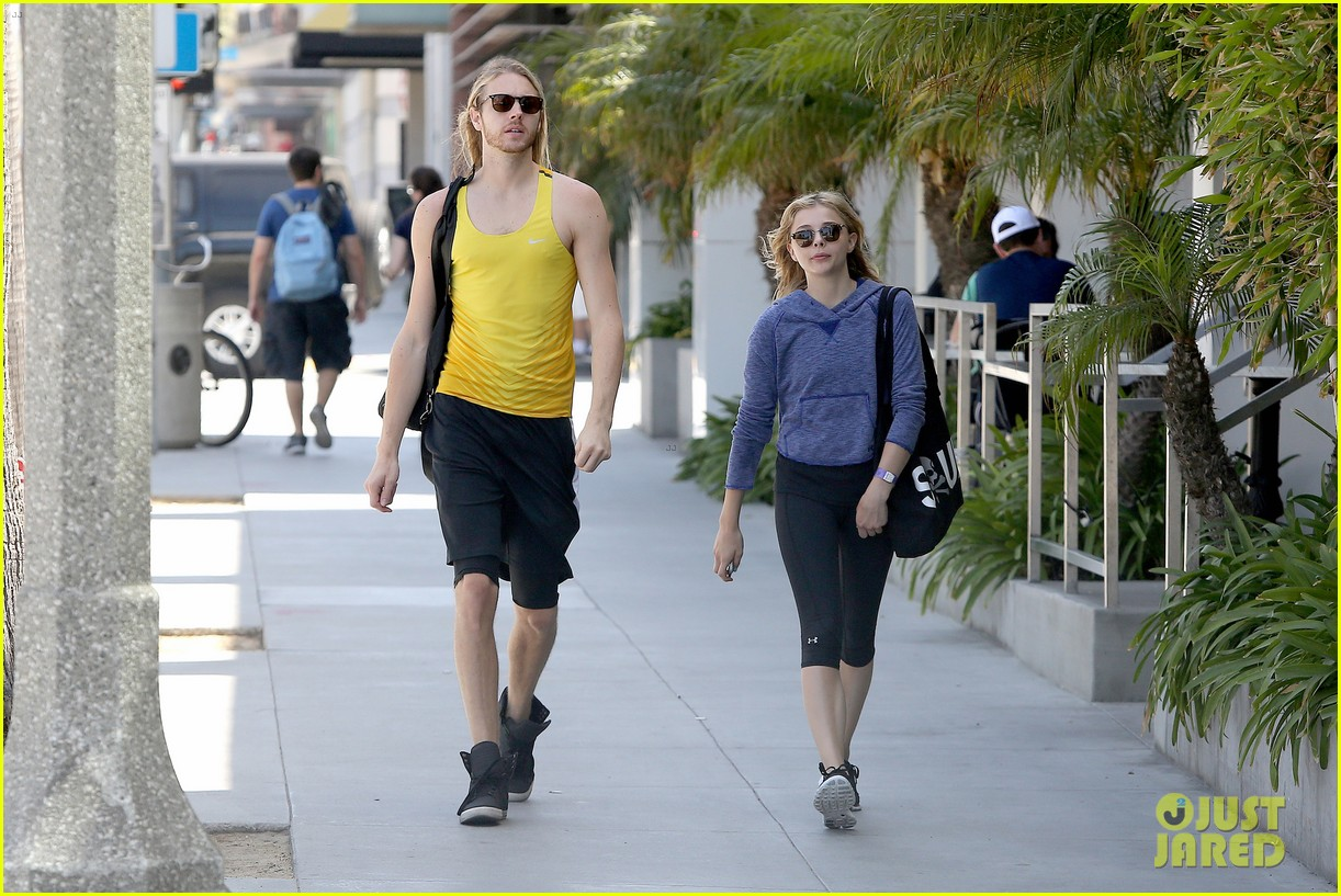 chloe moretz isnt in hollywood for parties red carpets 113125945