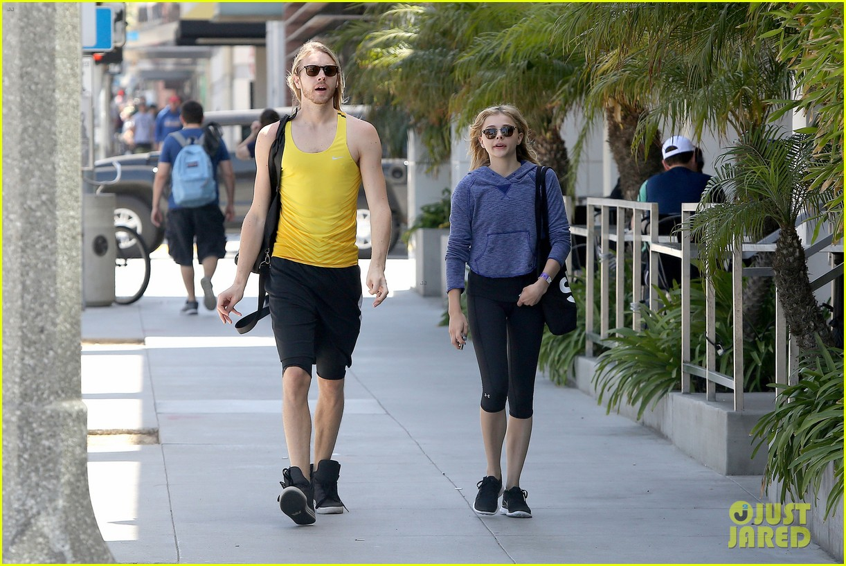 chloe moretz isnt in hollywood for parties red carpets 123125946