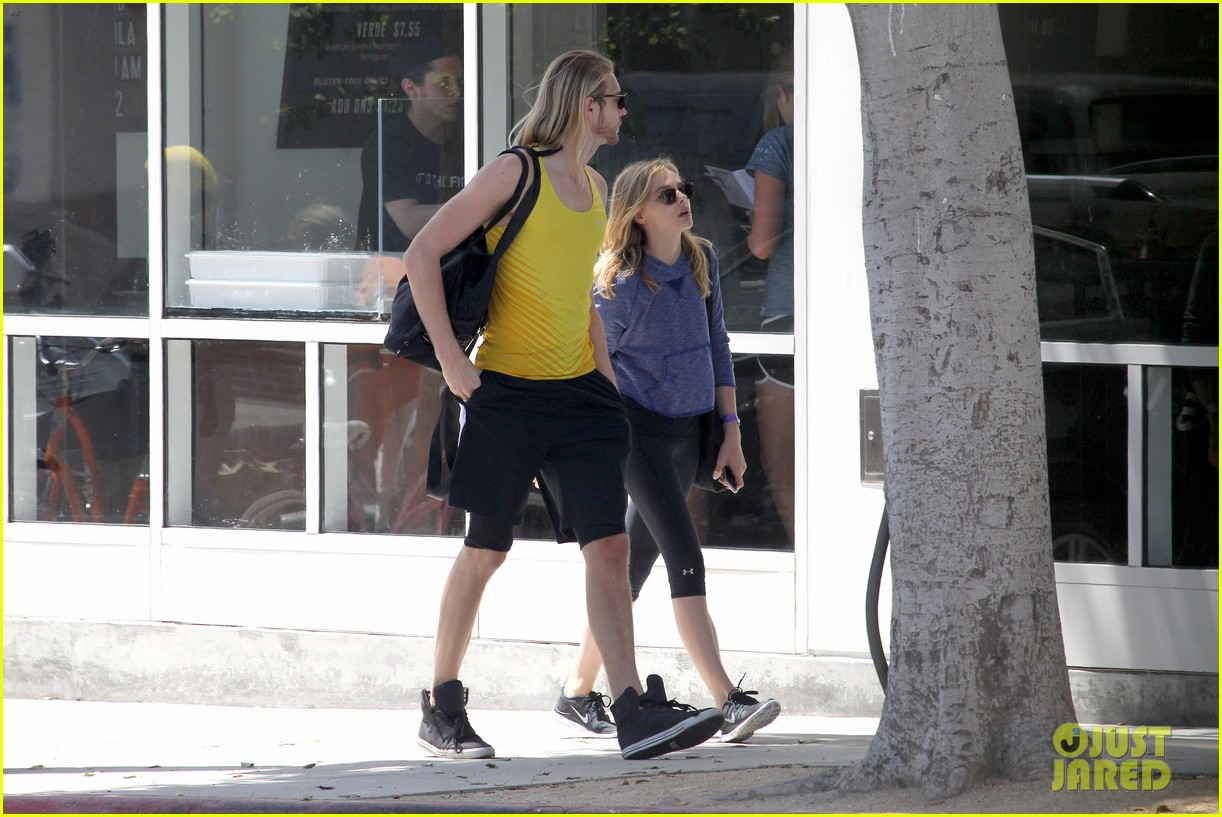 chloe moretz isnt in hollywood for parties red carpets 213125955