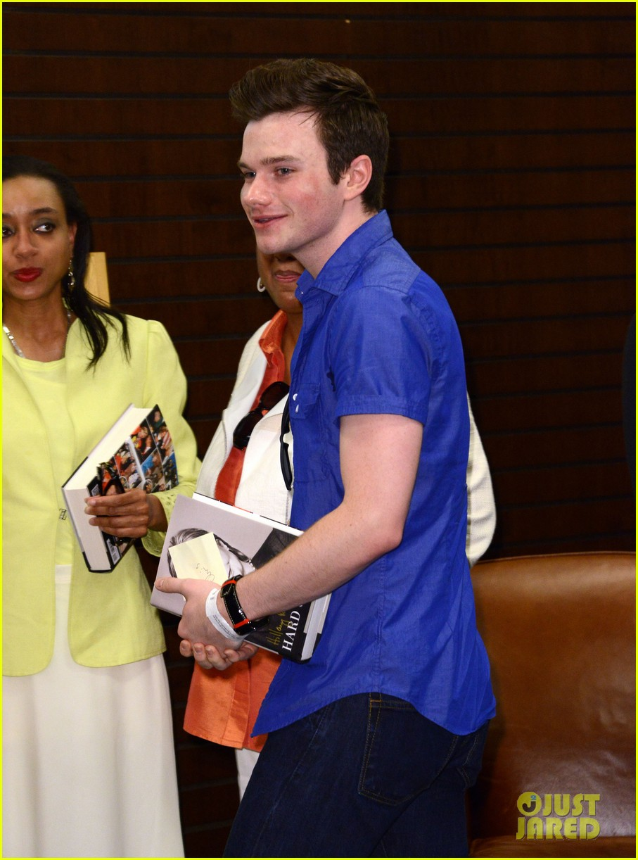 chris colfer hilary clinton book signing 023139258