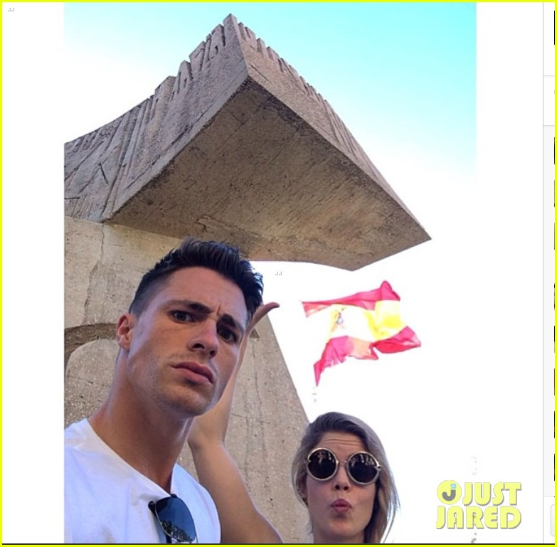 colton haynes emily bett rickards arrow madrid 033131714