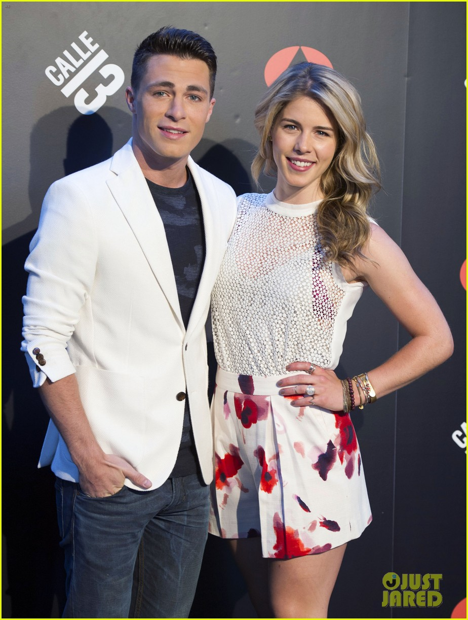 colton haynes emily bett rickards arrow madrid 073131718