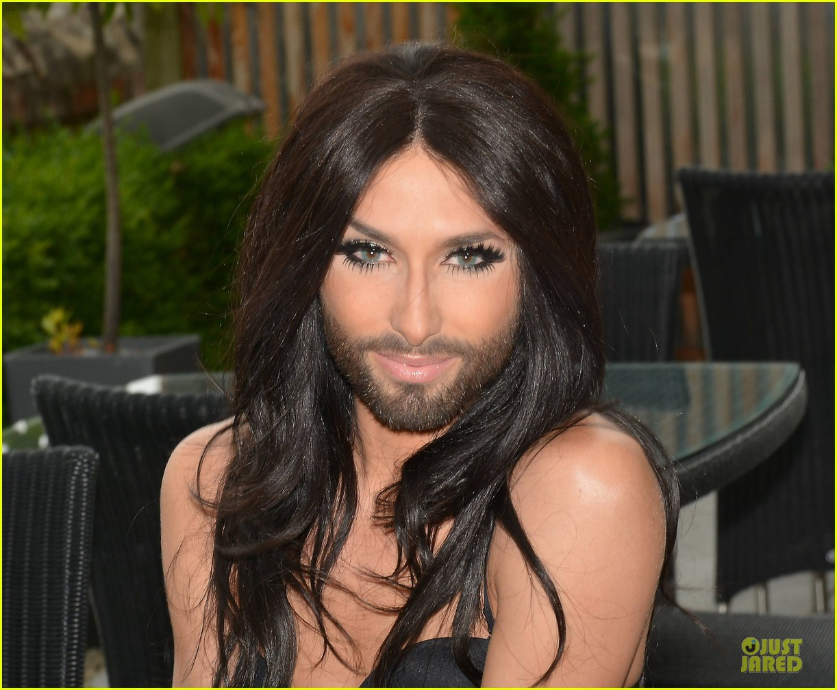 conchita wurst human right to love whoever you want 02