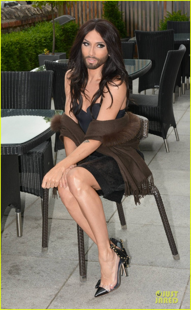 conchita wurst human right to love whoever you want 063145076