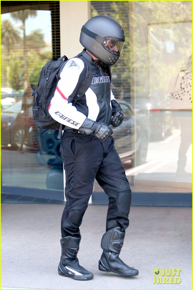 bradley cooper goes incognito in his motorcycle gear 023141732