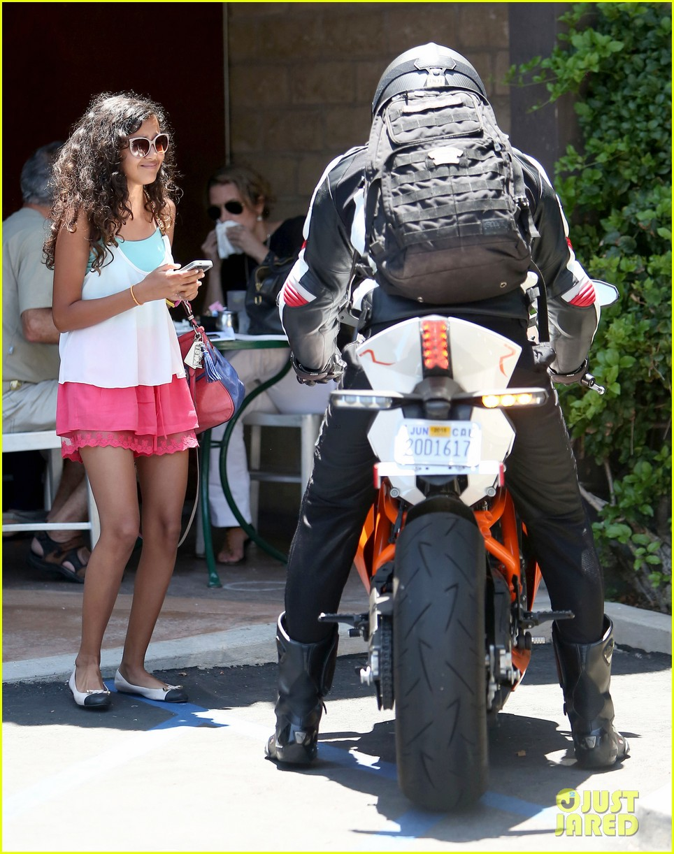 bradley cooper goes incognito in his motorcycle gear 113141741