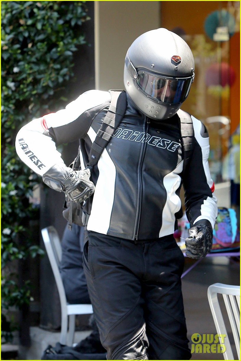 bradley cooper goes incognito in his motorcycle gear 133141743