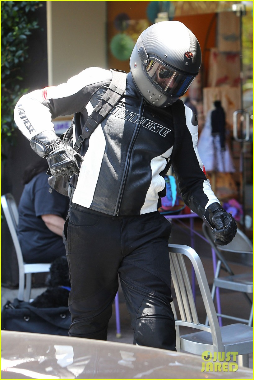bradley cooper goes incognito in his motorcycle gear 173141747