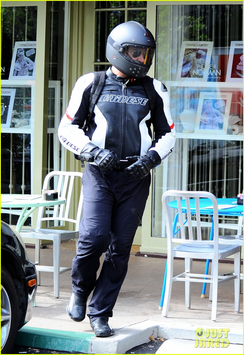 bradley cooper goes incognito in his motorcycle gear 223141752