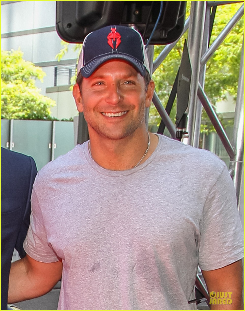 bradley cooper sports water stained tee at earth to echo premiere 043135817