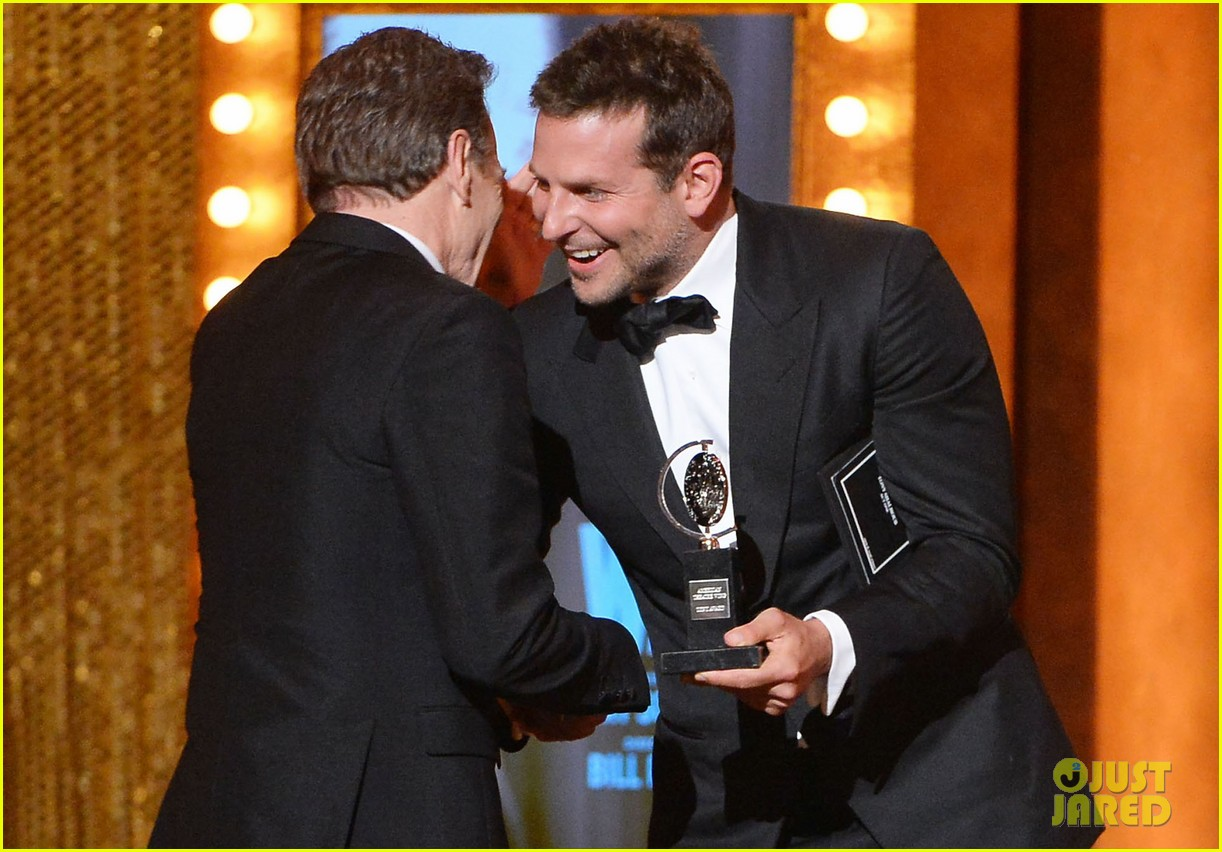 bradley cooper presents bryan cranston with his tony award 2014 023131386