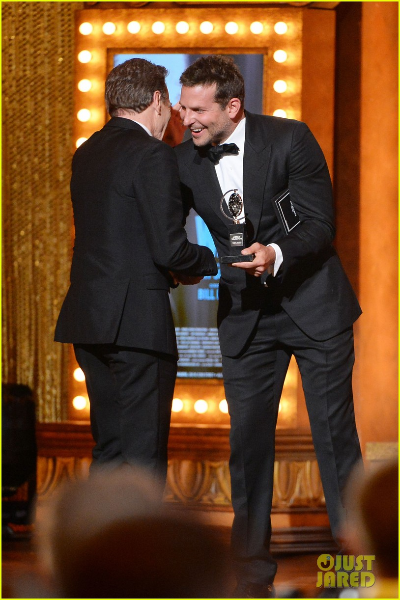 bradley cooper presents bryan cranston with his tony award 2014 043131388