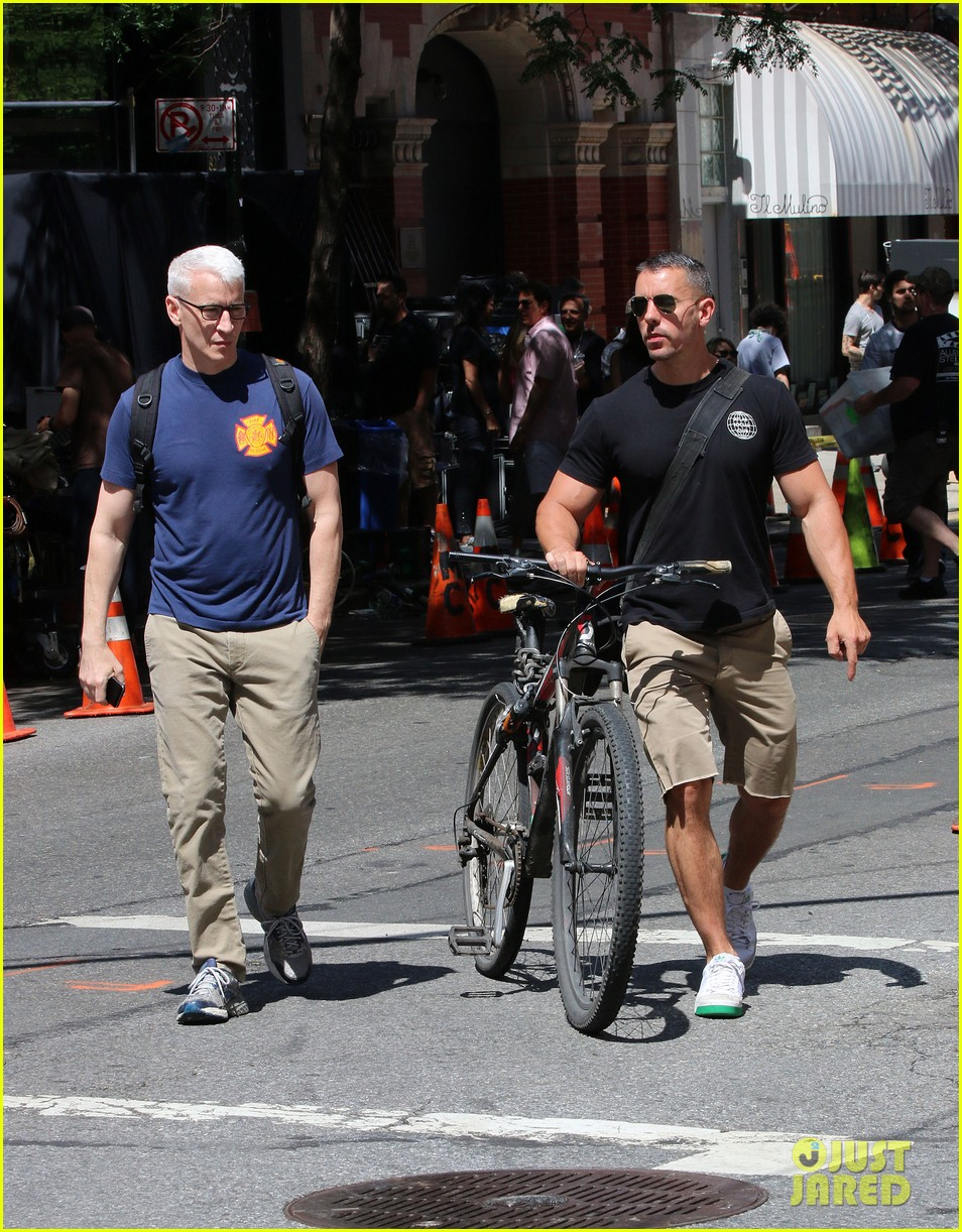 anderson cooper steps out with boyfriend after vagina segment 103144179