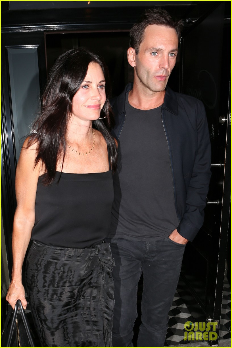 courteney cox johnny mcdaid go on lunch date dinner date 023144105