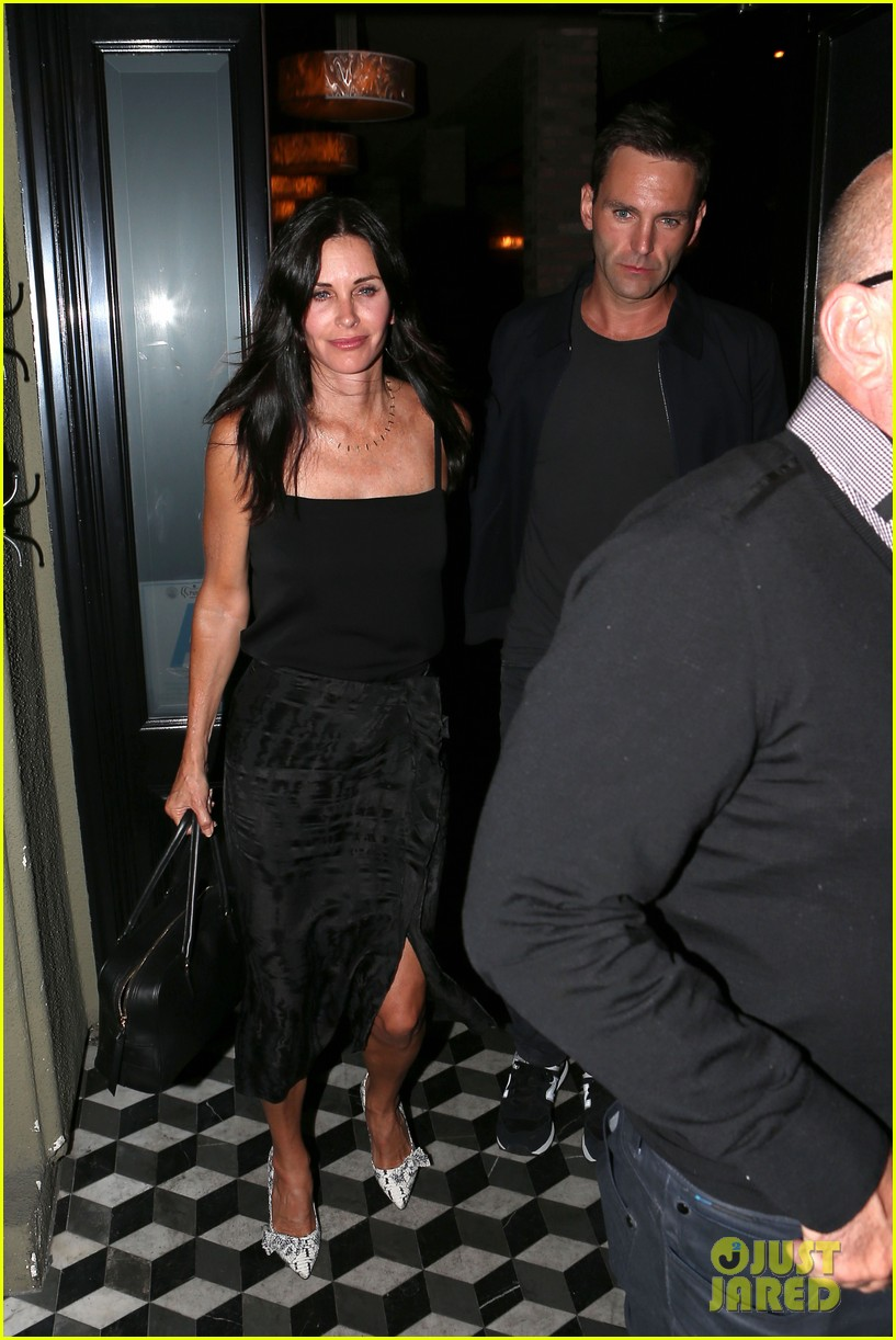 courteney cox johnny mcdaid go on lunch date dinner date 053144108