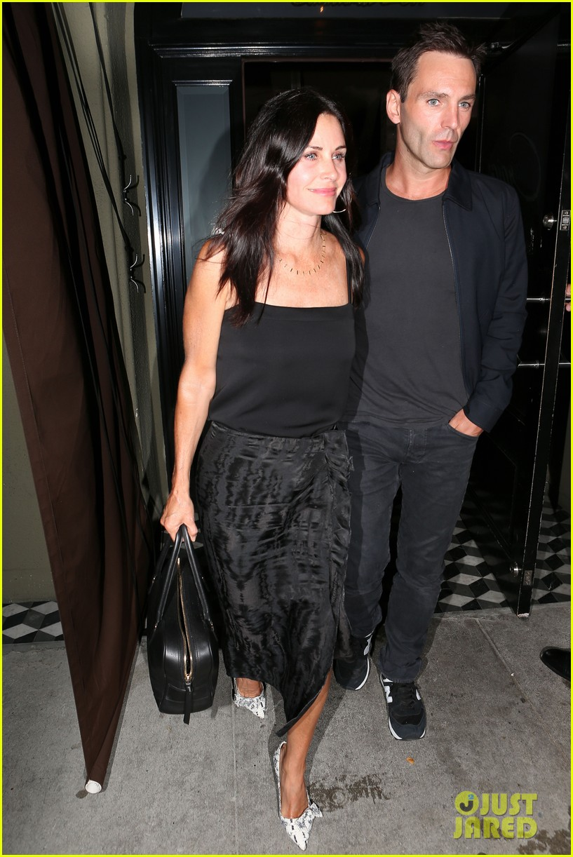 courteney cox johnny mcdaid go on lunch date dinner date 143144117