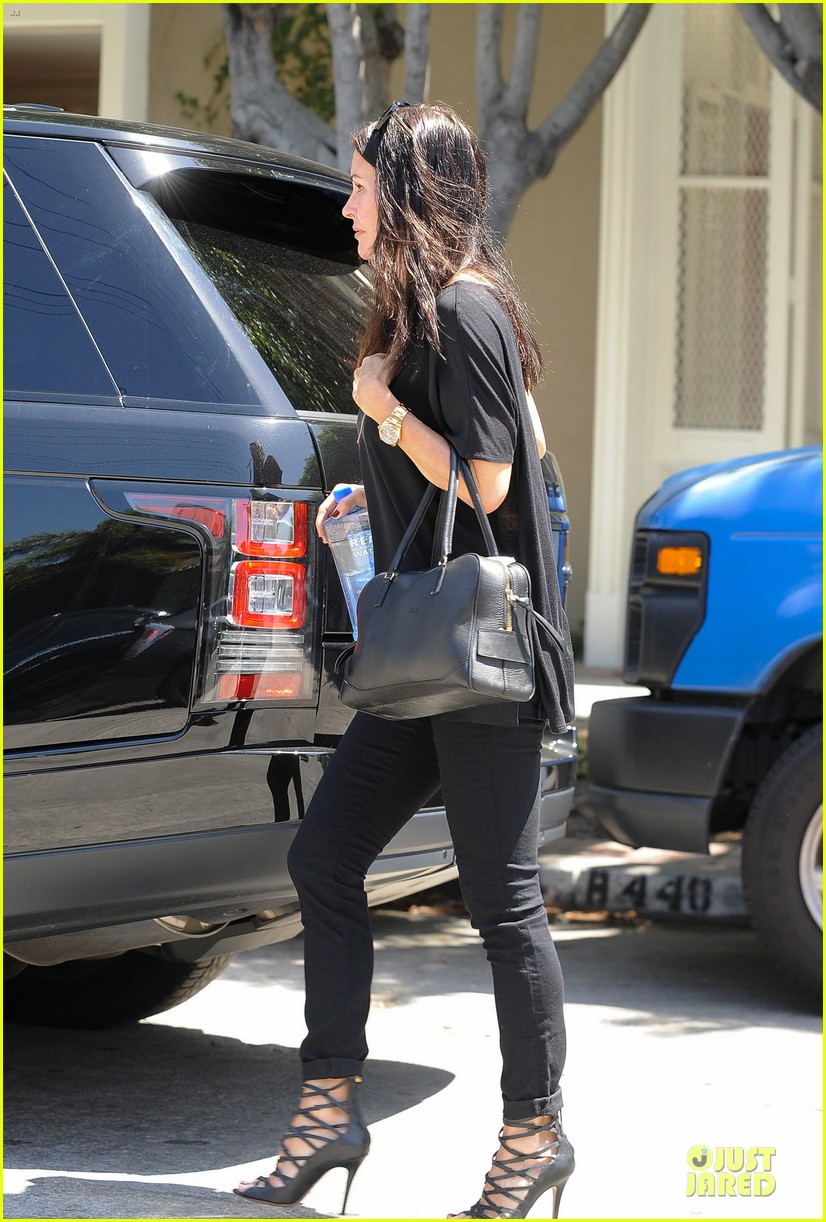 courteney cox johnny mcdaid talked engagement 033130100