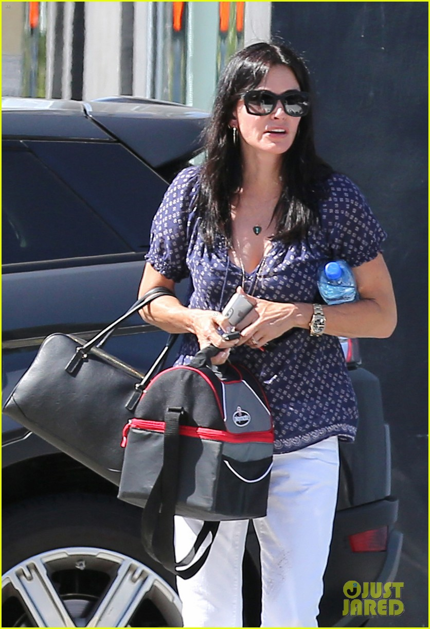 courteney cox meets up with her ex david arquette before her birthday 023134705