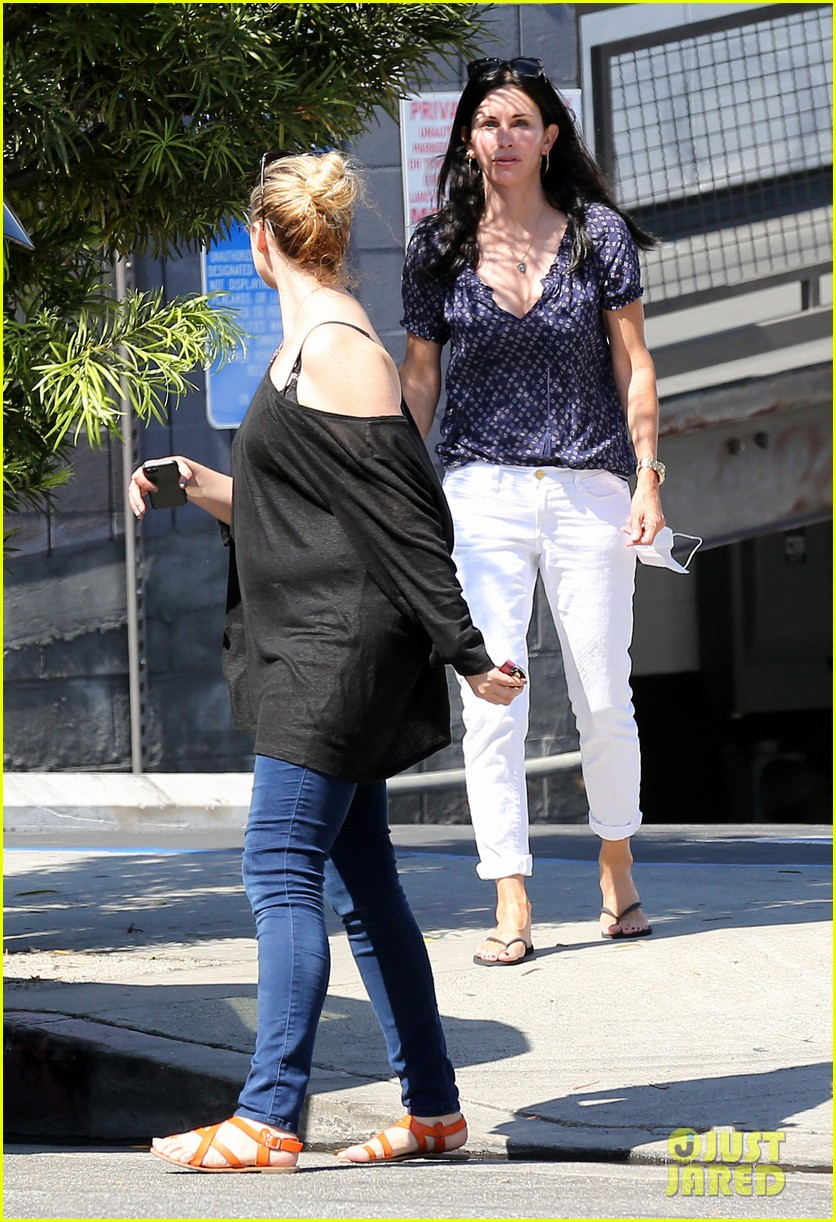 courteney cox meets up with her ex david arquette before her birthday 183134721