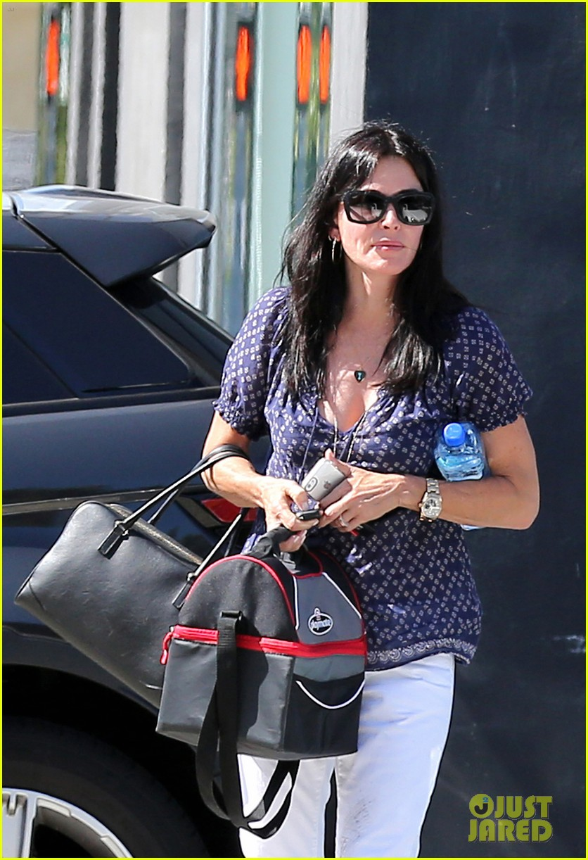 courteney cox meets up with her ex david arquette before her birthday 193134722
