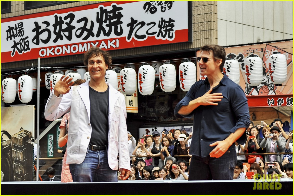 tom cruise is the happiest for edge of tomorrow japan photo call 043143653