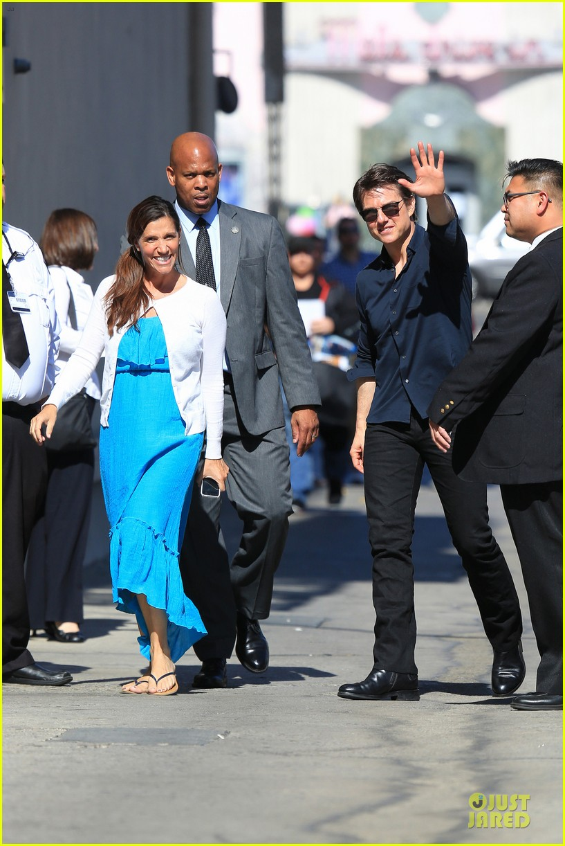 tom cruise emily blunt look hollywood 033127624