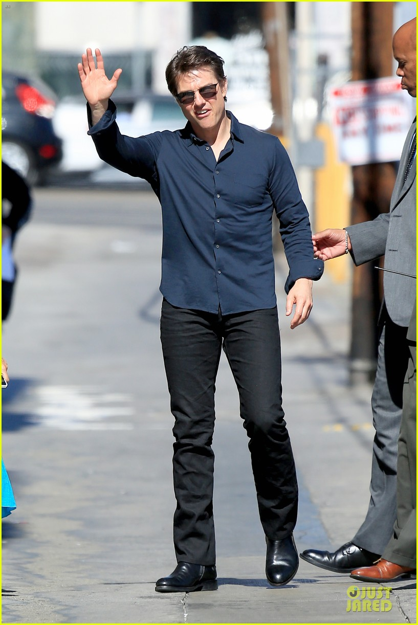 tom cruise emily blunt look hollywood 093127630