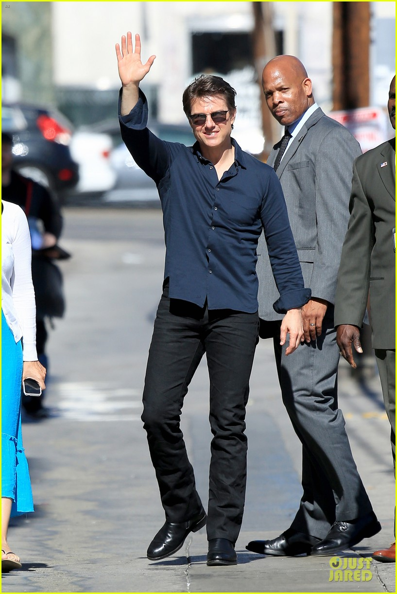 tom cruise emily blunt look hollywood 12